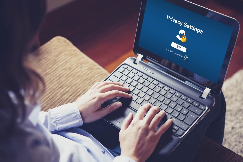 shu-Cyber crime-protect business-308763962-David M G